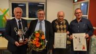 Voorzitter Robert van Dorst tijdens vlot verlopen jaarvergadering: 'zorgen over positie vrijwilliger'